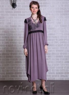платье с черными крылышками
